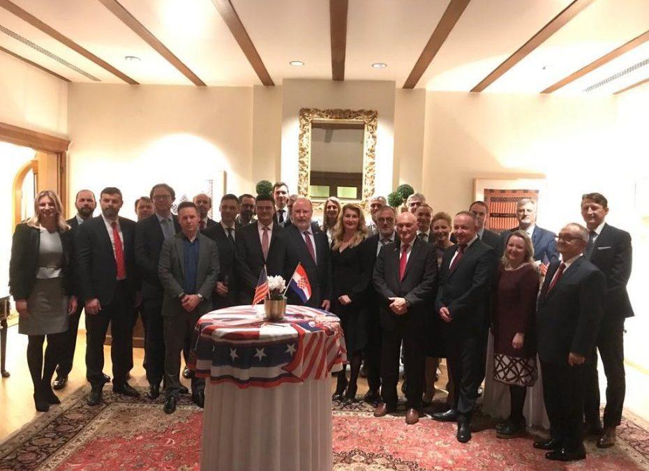 Patron Members koktel s veleposlanikom SAD-a, Nj.E. W. R. Kohorstom